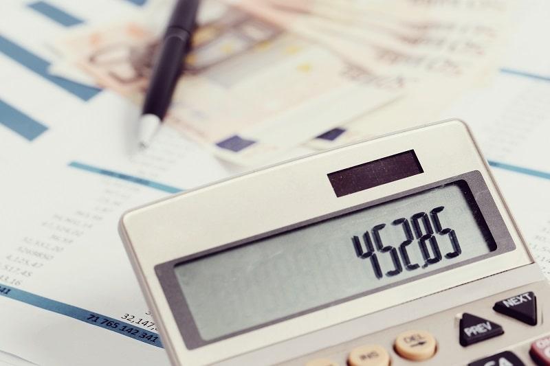Pracownik ds. rachunkowości i księgowości z elementami pracownika biurowego